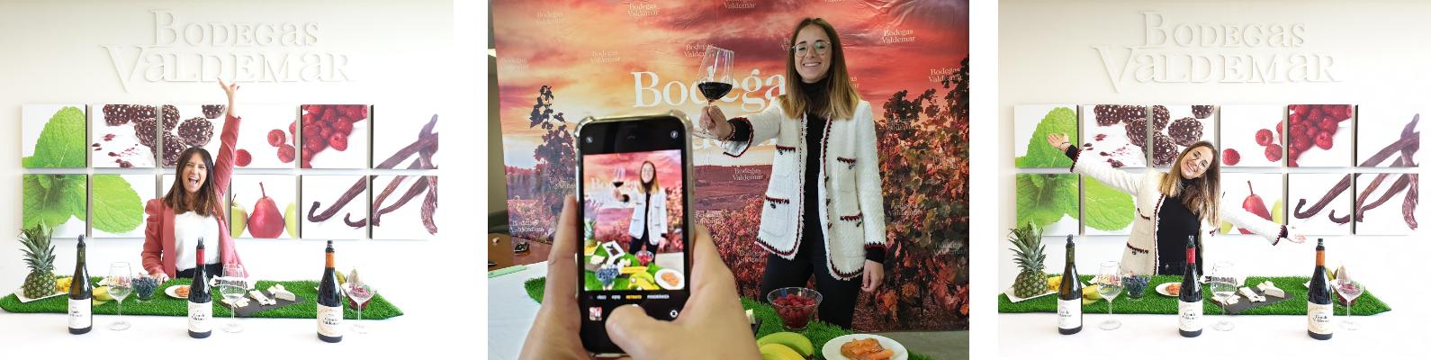 mujer animando una cata virtual