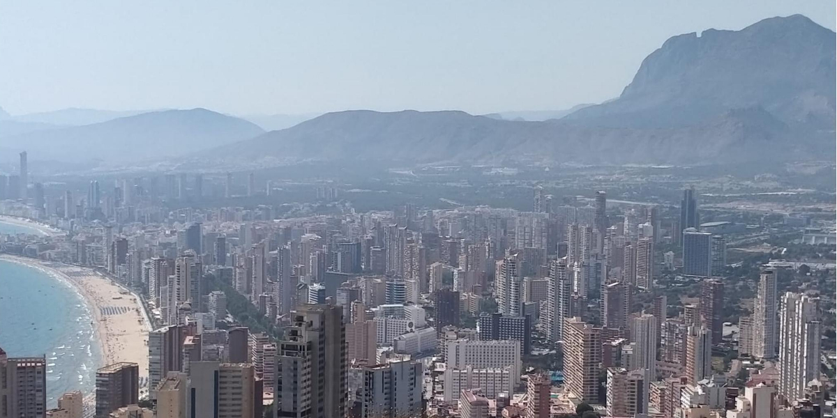 Perfil Benidorm, playas y rascacielos